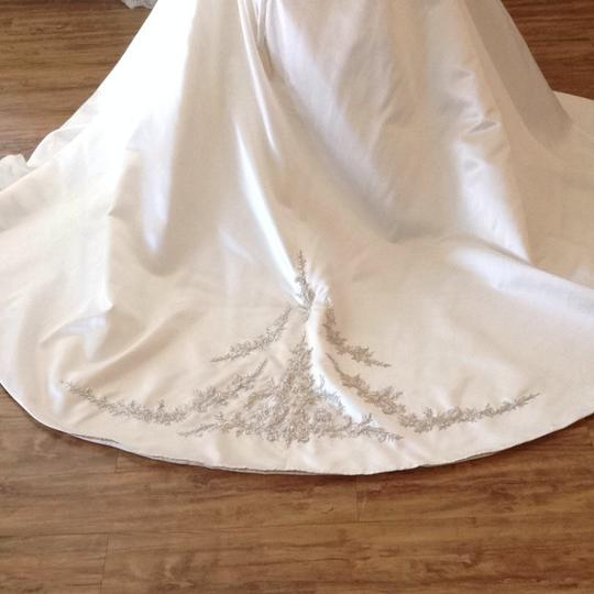 Mori Lee Ivory/Silver Satin Wedding Dress Size 14 (L) Image 4