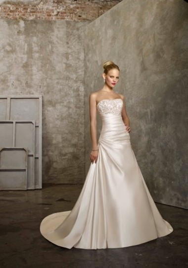 Mori Lee Ivory/Silver Satin Wedding Dress Size 14 (L) Image 6