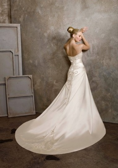 Mori Lee Ivory/Silver Satin Wedding Dress Size 14 (L) Image 7