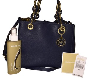 Michael Kors Satchel in navy blue and gold