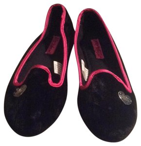 Betsey Johnson black pink silver Flats
