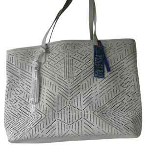Violet Ray White New York Tote in Ivory