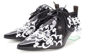 Louis Vuitton Graffiti Chanel Cc Espadrille Valentino Black Pumps