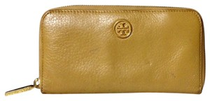 Tory Burch Leather Wallet Wristlet in Tan
