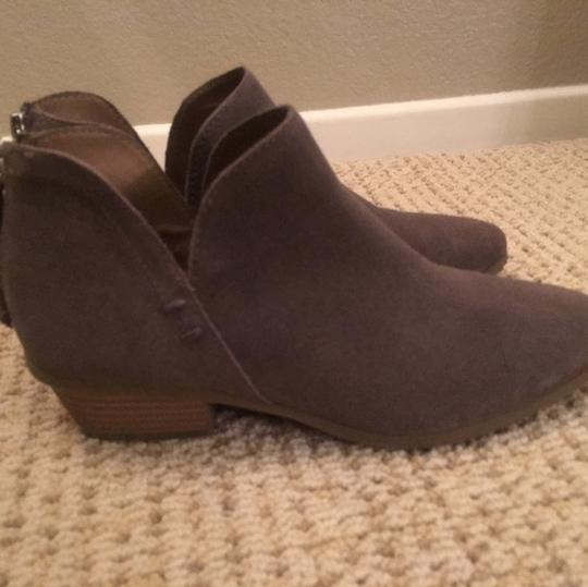 Kenneth Cole gray Boots