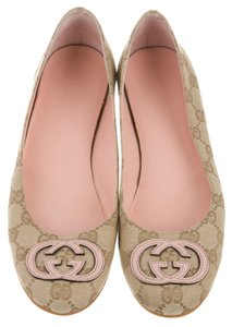 Gucci Round Toe Gg Beige, Brown, Pink Flats