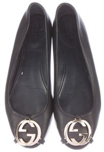 Gucci Round Toe Gg Black, Gold Flats