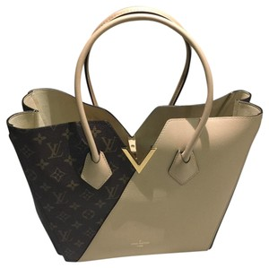 Louis Vuitton Tote in Dune