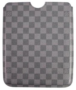 Louis Vuitton Damier Graphite iPad Case 3LVA919