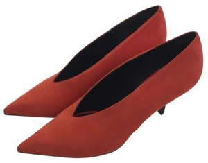 Cline poppy Pumps