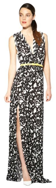 Preload https://img-static.tradesy.com/item/205436/cut25-black-and-white-print-ruched-jersey-slit-small-nwot-long-casual-maxi-dress-size-4-s-0-0-650-650.jpg