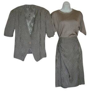 Armani Collezioni Classic,3-piece Suit,pant,skirt,jacket,pullover,exquisite,beautiful