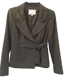 Classiques Entier Black jacket with side tie and detailed collar.