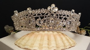 Elegant Bridal Tiara Silver Plated Austrian Crystals Style #t-009-a
