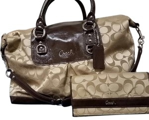 Coach signature Style with matching wallet Satchel in multi