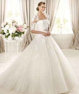 Pronovias Domingo Wedding Dress