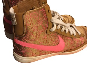 Nike gold & pink Athletic