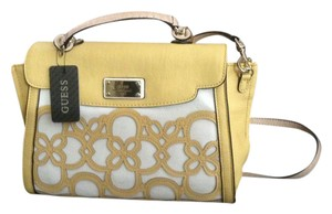 Guess Satchel in White/yellow.