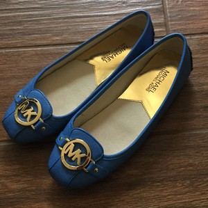 Michael Kors Blue with gold hardware Flats
