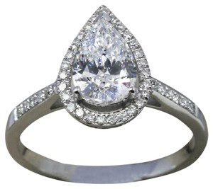 9.2.5 Gorgeous cushion diamond quality halo engagement ring size 9