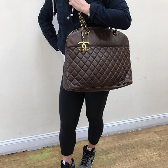 Preload https://img-static.tradesy.com/item/20546307/chanel-cc-large-quilted-shoulder-brown-leather-tote-0-2-540-540.jpg