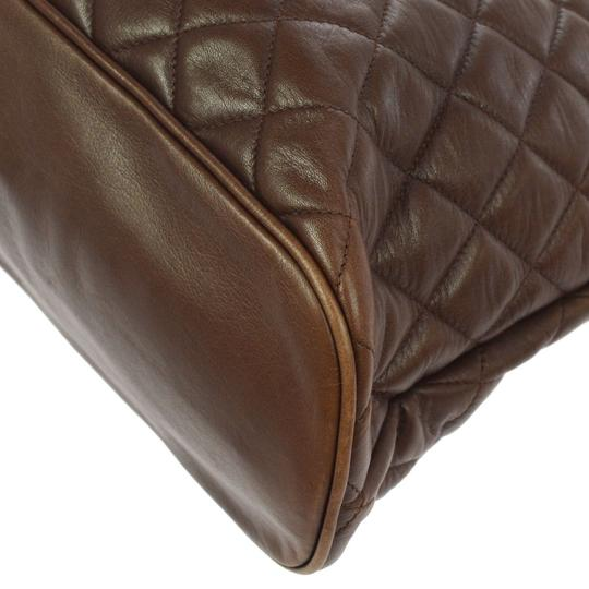 Chanel Tote in brown Image 4
