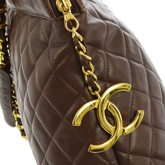 Chanel Tote in brown Image 7