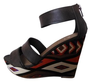 CL by Laundry Geometric Design Brown Wedges