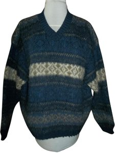 Northern Isles Made In Usa V-neck Large Sweater