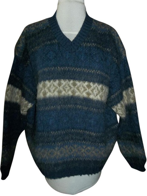 Northern Isles Made In Usa V-neck Large Sweater Image 0