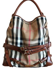 Burberry Satchel in plaid and Cognac leather