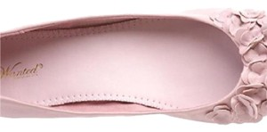 Wanted pink Flats