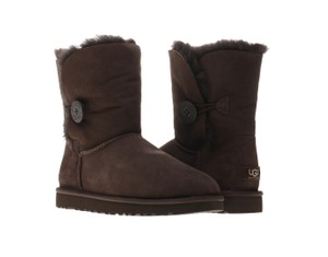 UGG Australia Ugg Bailey Button 5808 Chocolate Boots