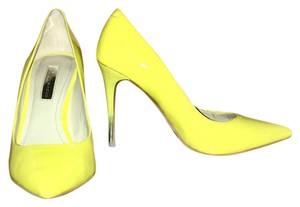 BCBGeneration Color Sexy Style Sold Out New In Box From Macys SUNBURST YELLOW PATENT LEATHER Pumps