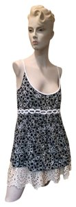 Cynthia Steffe 100% Cotton Floral & Summer Top black & white