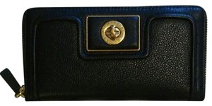 Marc by Marc Jacobs Totally Turnlock Leather Zip Around Wallet