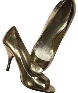 BCBGeneration shiny Gold Pumps