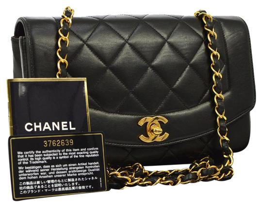 Preload https://img-static.tradesy.com/item/20549972/chanel-noir-cc-quilted-gold-single-chain-lambskin-purse-black-leather-shoulder-bag-0-1-540-540.jpg