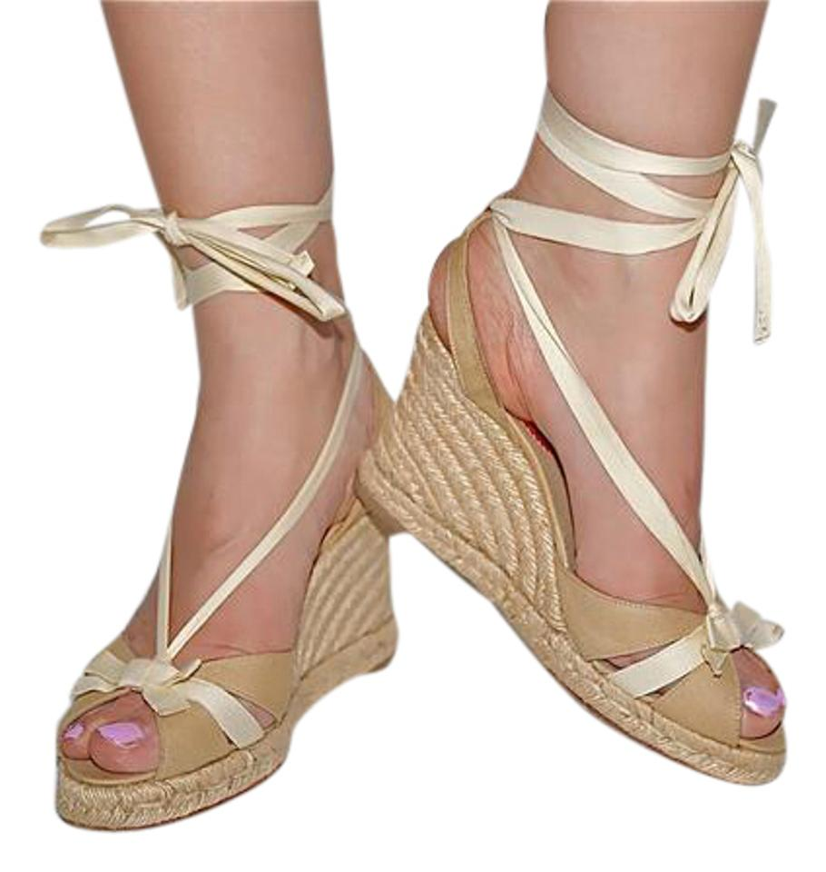 cheap for discount fa707 810cf Christian Louboutin Beige Canvas Espadrilles Wedges Size US 8 Regular (M, B)