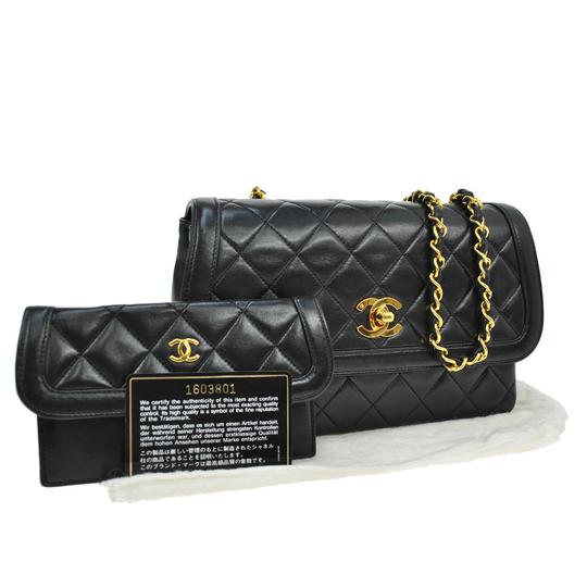 Preload https://img-static.tradesy.com/item/20550095/chanel-noir-cc-quilted-gold-single-chain-lambskin-purse-black-leather-shoulder-bag-0-0-540-540.jpg