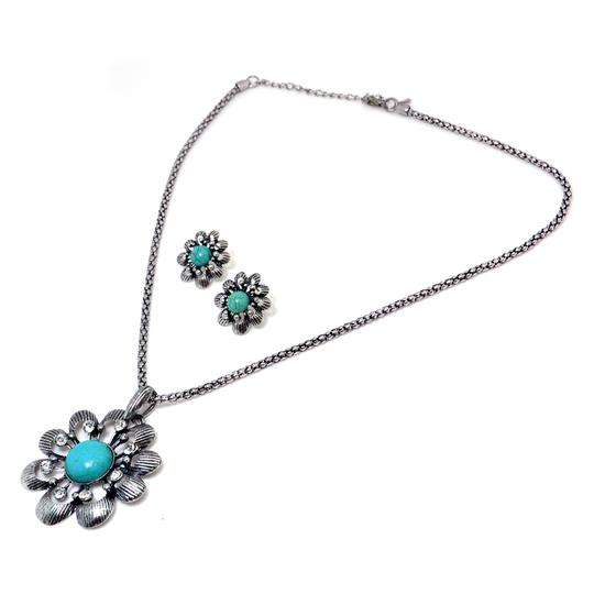 Preload https://img-static.tradesy.com/item/20550097/turquoise-floral-rhinestone-pendant-with-matching-earrings-necklace-0-0-540-540.jpg