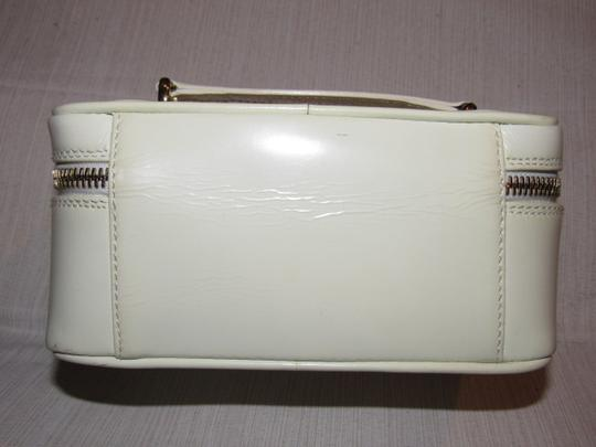 Gucci Petite But Roomy Dual Zip Closure Excellent Vintage Restored Lining Bamboo Accents Satchel in white patent leather Image 2
