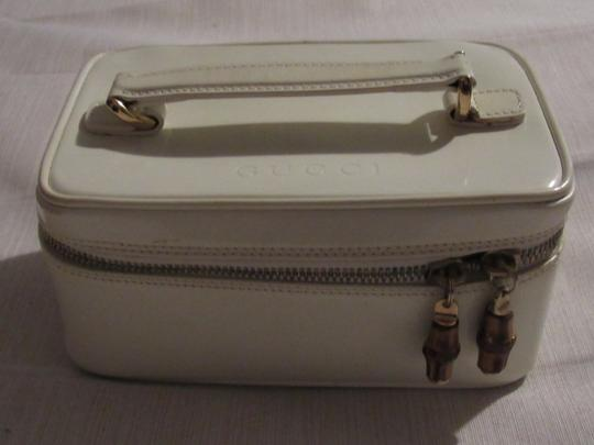 Gucci Petite But Roomy Dual Zip Closure Excellent Vintage Restored Lining Bamboo Accents Satchel in white patent leather Image 3