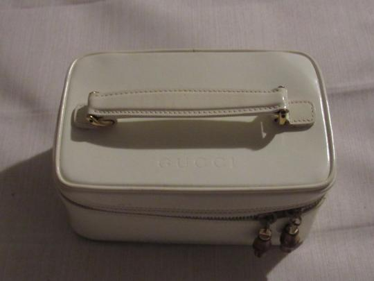 Gucci Petite But Roomy Dual Zip Closure Excellent Vintage Restored Lining Bamboo Accents Satchel in white patent leather Image 5