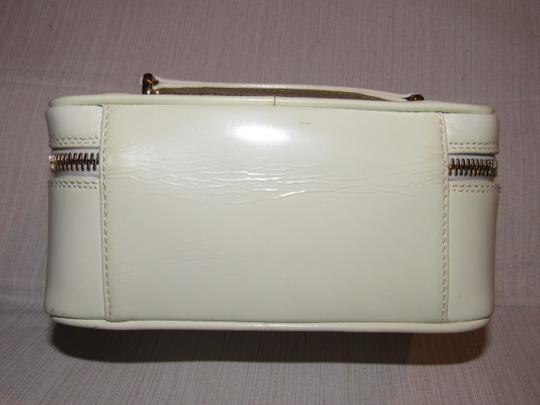 Gucci Petite But Roomy Dual Zip Closure Excellent Vintage Restored Lining Bamboo Accents Satchel in white patent leather Image 9