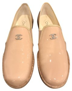 Chanel Patent Espadrille Flat Leather Moccassin beige Athletic