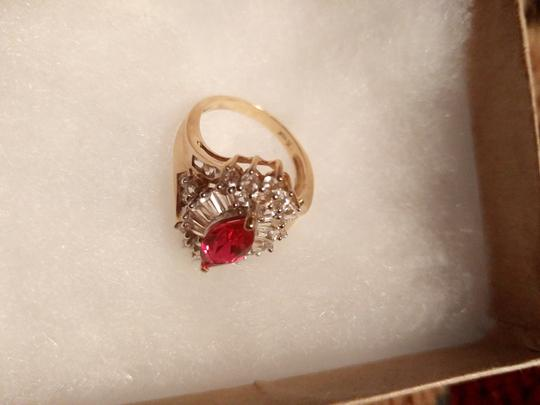 Other 10kt gold ring size 6 Image 2