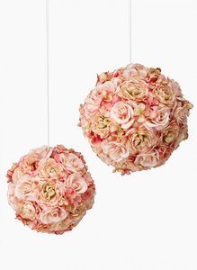 45 X Blush Floral Kissing Balls