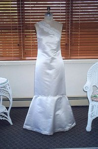 Edward Cromarty Art Design Studio Angelica Wedding Dress