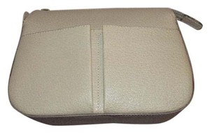Gucci Versatile Mix And Match Excellent Condition Lining textured stone colored leather Clutch
